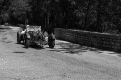 阿斯顿・马丁勒芒1933年在集会Mille Miglia 2017的一辆老赛车5月19日20日的著名意大利历史种族1927-1957 免版税库存图片