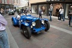 阿斯顿・马丁2公升在Mille Miglia的速度模型2015年 库存照片