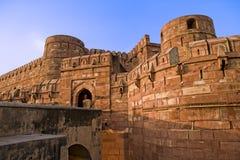 阿格拉在日落的堡垒门 库存照片