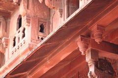 阿格拉堡垒:红砂岩装饰 库存图片