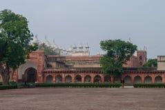 阿格拉,印度- 2012年1月8日:Moti Masjid在红色阿格拉堡 Agr 免版税库存图片