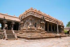 阿格拉mandapa 100柱子玛哈mandapa, Airavatesvara寺庙,达拉苏拉姆,泰米尔纳德邦 从东南部的看法 免版税图库摄影