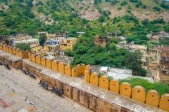 阿梅尔,印度- 2017年9月19日:老结构的美丽的景色在宫殿里面的琥珀色的堡垒的,位于  库存图片