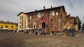 阿比亚泰格拉索Visconti城堡,在1382年修造由在已存在的13世纪设防上的吉安・加莱亚佐・维斯孔蒂 库存图片