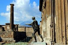 阿波罗古铜色雕象 免版税库存图片