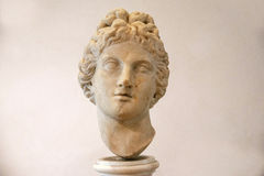 阿波罗头的古老雕塑在Diocletian Thermae Diocletiani浴的在罗马 库存照片