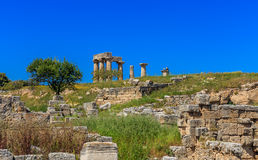 阿波罗寺庙废墟在古老科林斯湾 库存照片