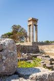 阿波罗寺庙废墟的垂直的看法 库存照片