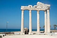 阿波罗教堂在边,土耳其的 库存图片