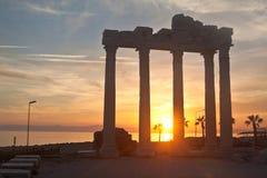 阿波罗教堂在边,土耳其,日落的 免版税库存照片
