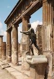 阿波罗雕象在波纳佩,意大利废墟的 库存照片