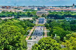 从阿灵顿公墓的图往林肯纪念堂在华盛顿, D C 免版税库存照片