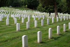 阿灵顿国家公墓坟茔 免版税图库摄影