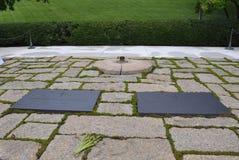 阿灵顿,弗吉尼亚, 7月5日:约翰・肯尼迪坟茔在从弗吉尼亚美国的阿灵顿公墓 库存图片