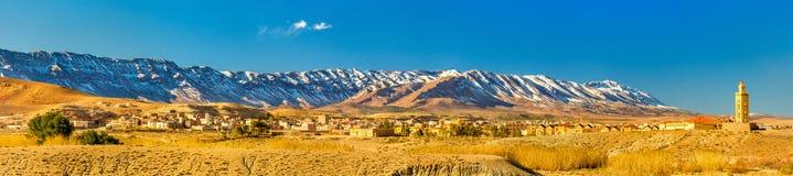 阿特拉斯山脉的全景Midelt的,摩洛哥 免版税库存照片
