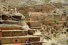 阿特拉斯山脉的典型的巴巴里人村庄在摩洛哥 免版税库存图片