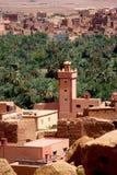 阿特拉斯山脉的典型的巴巴里人村庄在摩洛哥 免版税图库摄影