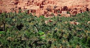 阿特拉斯山脉的典型的巴巴里人村庄在摩洛哥 库存照片