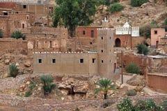 阿特拉斯山脉的清真寺在摩洛哥 库存照片
