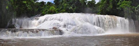 阿瓜azul墨西哥瀑布 免版税库存照片