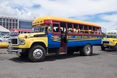 阿皮亚,萨摩亚- 2017年10月30日:葡萄酒在阿皮亚公共汽车的丰田公共汽车 免版税库存照片