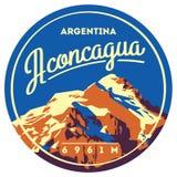阿空加瓜在安地斯,阿根廷室外冒险徽章 高山例证 库存例证