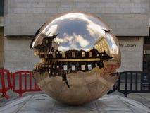 阿纳尔多Pomodoro球形 库存图片