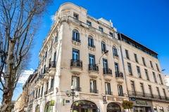 阿维尼翁法国三条主要动脉的共和国街道一  免版税库存照片