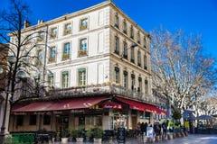 阿维尼翁法国三条主要动脉的共和国街道一  库存照片