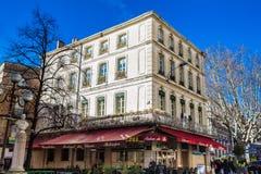 阿维尼翁法国三条主要动脉的共和国街道一  免版税库存图片
