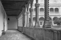 阿维拉,西班牙, 2016年4月- 18日:真正的monasterio de Santo Tomas心房  库存照片