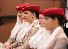 阿联酋国际航空比利・简・金全国网球的空服员集中在美国公开赛期间2013年 库存照片