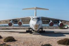 阿联酋,迪拜, 07/11/2015,被放弃的货机在Al的Quwains沙漠离开 免版税库存图片