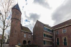阿莫斯福特中世纪镇墙壁Koppelpoort和Eem河 免版税库存照片