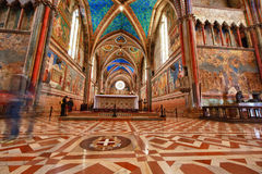 阿西西圆顶圣法兰西斯教会内部 免版税库存图片