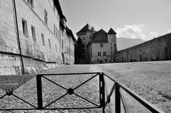 阿讷西城堡庭院 库存图片