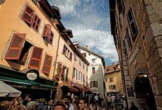 阿讷西美丽如画的街道  免版税库存照片