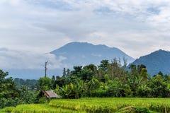 阿贡火山在米附近的爆发视图调遣,巴厘岛 免版税库存照片