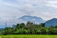 阿贡火山在米附近的爆发视图调遣,巴厘岛 库存照片