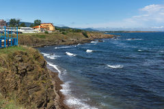 阿赫托波尔,保加利亚- 2013年6月30日:阿赫托波尔,保加利亚镇海岸线全景  免版税库存图片