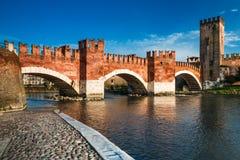 Ponte Scaligero在维罗纳,意大利 库存照片