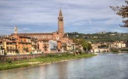 阿迪杰河的维罗纳在维罗纳,意大利 免版税库存图片