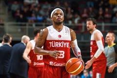 阿里Muhhamed在比赛期间的博比狄克逊,在拉脱维亚和土耳其之间 免版税库存照片