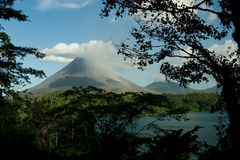 阿雷纳尔火山的看法 库存照片