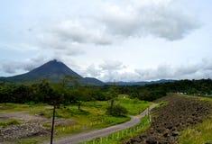 阿雷纳尔火山风景 免版税库存图片
