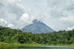 阿雷纳尔Volcan 免版税库存照片