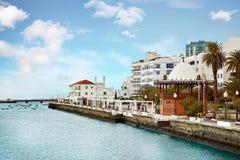 阿雷西费镇全景,兰萨罗特岛海岛的首都 图库摄影