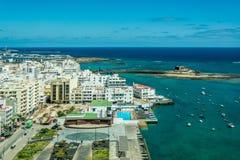 阿雷西费都市风景,兰萨罗特岛海岛首都 库存图片