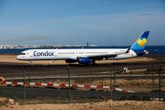 阿雷西费,西班牙- 2016年12月2日:波音神鹰757-300在Lanz的 免版税图库摄影