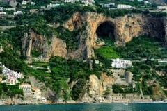 阿马飞海岸,褶皱藻属,意大利 免版税库存图片